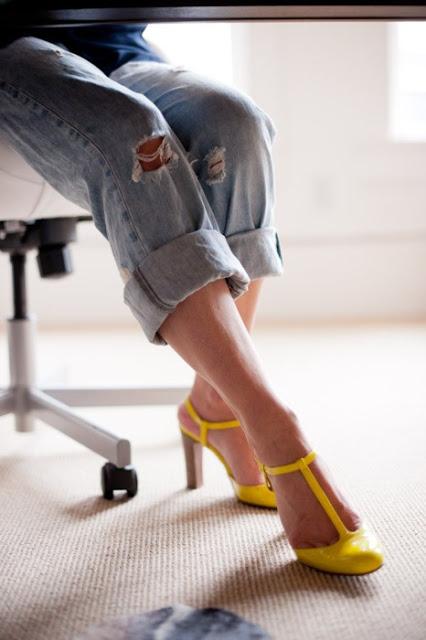 boyfriend jeans with yellow heels