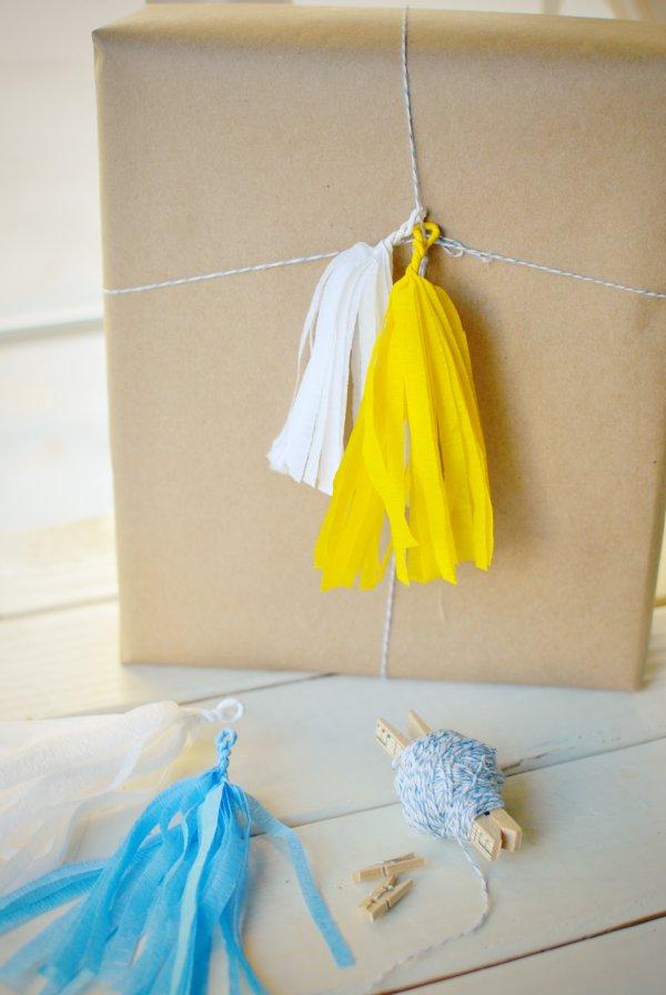 mini tassel gift wrap