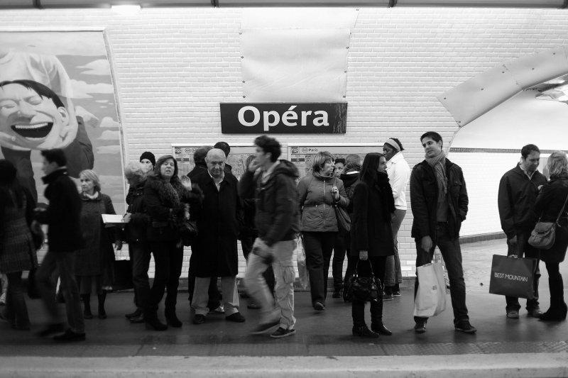 paris subway by jonny whitlam