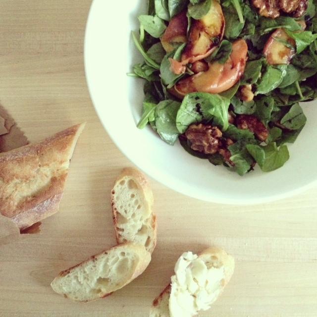 roasted peach spinach salad